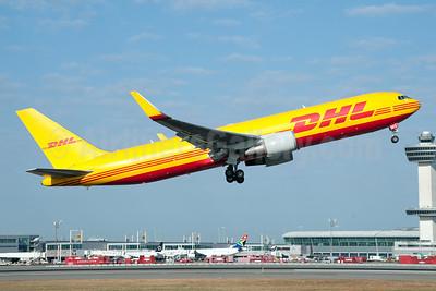 DHL Air (UK) Boeing 767-3JHF ER WL G-DHLE (msn 37805) JFK (Fred Freketic). Image: 950095.