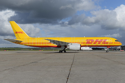 DHL Air (UK) Boeing 757-236 (F) G-BMRI (msn 24267) BLL (Ton Jochems). Image: 934224.