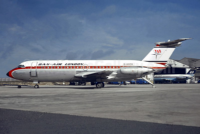 Dan-Air London (Dan-Air Services) BAC 1-11 401AK G-AXCK (msn 090) LTN (Jacques Guillem Collection). Image: 949189.