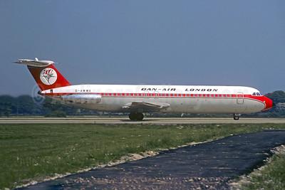 Dan-Air London (Dan-Air Services) BAC 1-11 509EW G-AWWX (msn 184) (Christian Volpati Collection). Image: 955213.