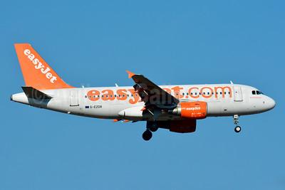 easyJet (easyJet.com) (UK) Airbus A319-111 G-EZDR (msn 3683) BSL (Paul Bannwarth). Image: 930534.