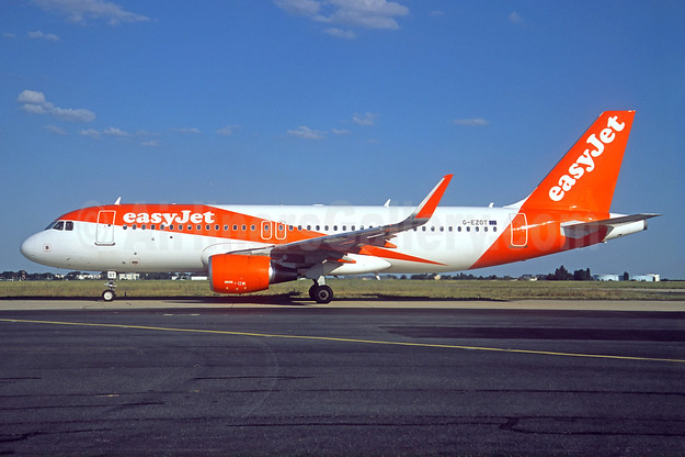 easyJet (UK) Airbus A320-214 WL G-EZOT (msn 6680) ORY (Jacques Guillem). Image: 938756.
