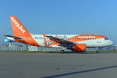easyJet (UK) Airbus A319-111 G-EZDW (msn 3746) (Venezia) AMS (Ton Jochems). Image: 938288.