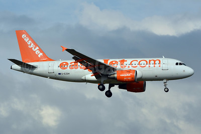 easyJet (easyJet.com) (UK) Airbus A319-111 G-EZDH (msn 3466) LGW (Jay Selman). Image: 403293.