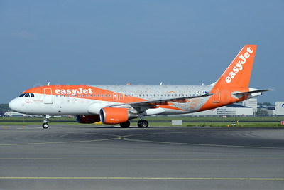easyJet (UK) Airbus A320-214 WL G-EZOX (msn 6837) (20 Years - How 20 Years Have Flown) AMS (Ton Jochems). Image: 938757.