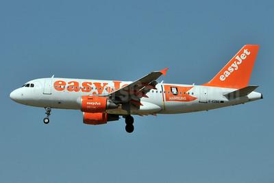 easyJet (easyJet.com) (UK) Airbus A319-111 G-EZBG (msn 2946) (Hamburg) FCO (Karl Cornil). Image: 923351.