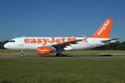easyJet (UK) Airbus A319-111 G-EZEZ (msn 2360) (Napoli - Naples) ZRH (Rolf Wallner). Image: 938224.