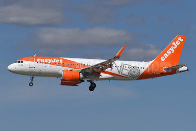 easyJet (UK) Airbus A320-251N WL G-UZHC (msn 7802) (NEO) LGW (Richard Vandervord). Image: 954471.