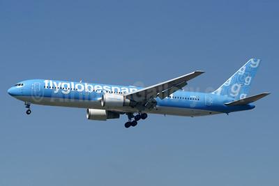 Flyglobespan.com (Globespan Airways) Boeing 767-306 ER EI-DMJ (msn 27958) (Neos colors) LGW (Paul Denton). Image: 937882.