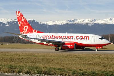 Flyglobespan.com (Globespan Airways) Boeing 737-683 G-CDRB (msn 28305) GVA (Paul Denton). Image: 920414.