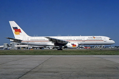 Flying Colours Airlines Boeing 757-25F G-FCLD (msn 28718) LGW (SPA). Image: 954391.