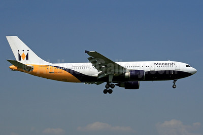 Monarch Airlines Airbus A300B4-605R G-MONS (msn 556) LGW (SPA). Image: 941614.