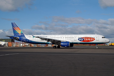 MyTravel Airways (UK) Airbus A321-211 G-DHJH (msn 1238) (Airtours colors) NCL (Ton Jochems). Image: 953603.