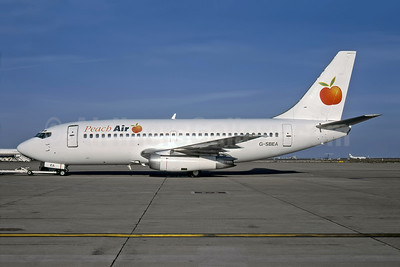 Peach Air (UK) Boeing 737-204 G-SBEA (msn 21694) (Rob Rindt Collection). Image: 947083.
