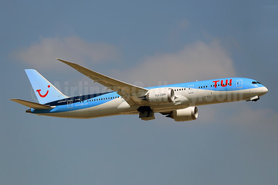 TUI Airways (UK) Boeing 787-9 Dreamliner G-TUIL (msn 64053) LGW (Keith Burton). Image:  944216.