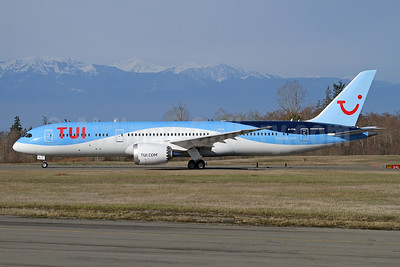 TUI Airways (UK) Boeing 787-9 Dreamliner G-TUIL (msn 64053) PAE (Nick Dean). Image: 941183.