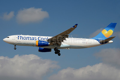 Thomas Cook Airlines (UK) (Thomas Cook.com) Airbus A330-243 G-CHTZ (msn 398) LAS (Jay Selman). Image: 403552.