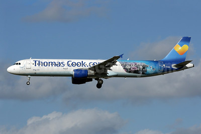 Thomas Cook Airlines (Thomas Cook.com) (UK) Airbus A321-211 WL G-TCDA (msn 2060) (Egypt - where it all begins) LGW (Antony J. Best). Image: 922165.