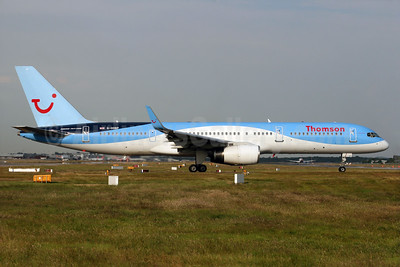 Thomson Airways Boeing 757-2G5 WL G-OOBP (msn 30394) LGW (SPA). Image: 932561.