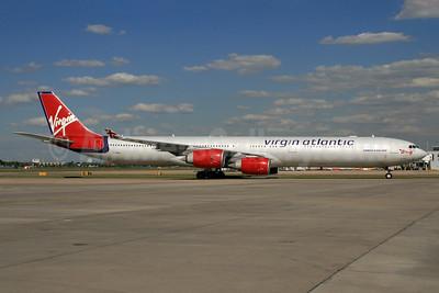 Virgin Atlantic Airways Airbus A340-642 G-VBLU (msn 723) LHR (SPA). Image: 934152.