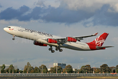 Virgin Atlantic Airways Airbus A340-313 G-VSUN (msn 114) LHR (SPA). Image: 940265.