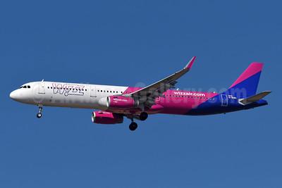 Wizz Air (UK) Airbus A321-231 WL G-WUKI (msn 8625) ATH (Richard Vandervord). Image: 932485.