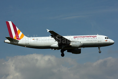 Germanwings (2nd) Airbus A320-211 D-AIQR (msn 382) LHR (SPA). Image: 932987.