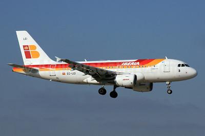 Iberia Airbus A319-111 EC-LEI (msn 3744) LHR (SPA). Image: 933027.