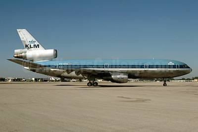 Delivered March 15, 1974, became N12089 with Continental