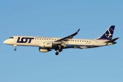 LOT Polish Airlines Embraer ERJ 190-200LR (ERJ 195) SP-LNF (msn 19000596) SVO (OSDU). Image: 933852.