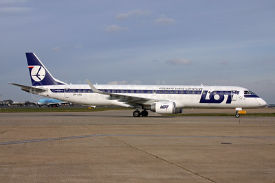 LOT Polish Airlines Embraer ERJ 190-200LR (ERJ 195) SP-LNC (msn 19000462) LHR. Image: 933851.