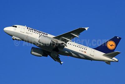 Lufthansa Airbus A319-112 D-AIBC (msn 4332) LHR (SPA). Image: 933648.