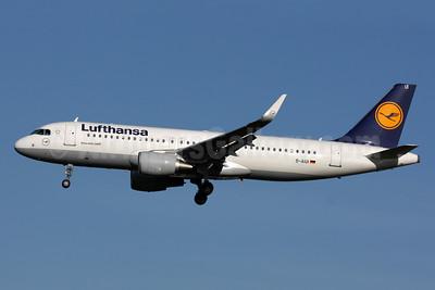 Lufthansa Airbus A320-214 WL D-AIUI (msn 6265) LHR (SPA). Image: 933339.