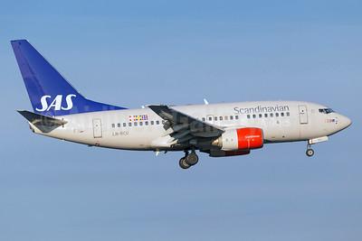 Scandinavian Airlines-SAS Boeing 737-683 LN-RCU (msn 30190) ARN (Stefan Sjogren). Image: 933395.