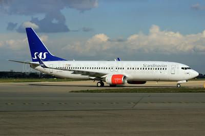 Scandinavian Airlines-SAS Boeing 737-883 WL LN-RRH (msn 34546) LHR. Image: 933397.
