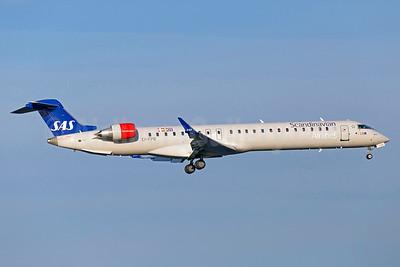 Scandinavian Airlines-SAS (CityJet) Bombardier CRJ900 (CL-600-2D24) EI-FPB (msn 15399) ARN (Stefan Sjogren). Image: 933392.