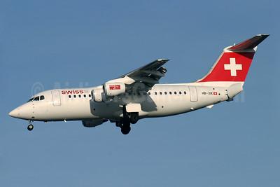 Swiss International Air Lines BAe RJ85 HB-IXK (msn E2235) LHR (Antony J. Best). Image: 902766.