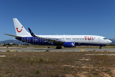 TUI Airlines (Netherlands) (Blue Air) Boeing 737-85F WL YR-BMD (msn 28826) (Blue Air colors) PMI (Ton Jochems). Image: 933883.
