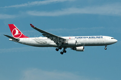 Turkish Airlines Airbus A330-303 TC-LND (msn 1704) JFK (Fred Freketic). Image: 933877.