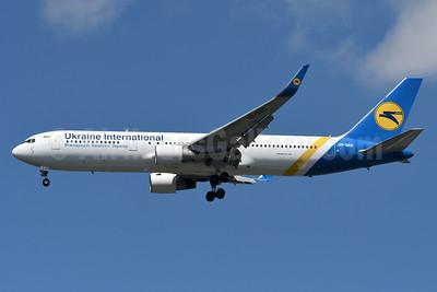 Ukraine International Airlines Boeing 767-33A ER WL UR-GED (msn 25536) JFK (Fred Freketic). Image: 933858.