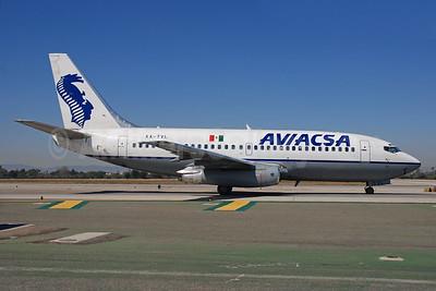 AVIACSA Boeing 737-201 XA-TVL (msn 22869) LAX (Bruce Drum). Image: 101426.