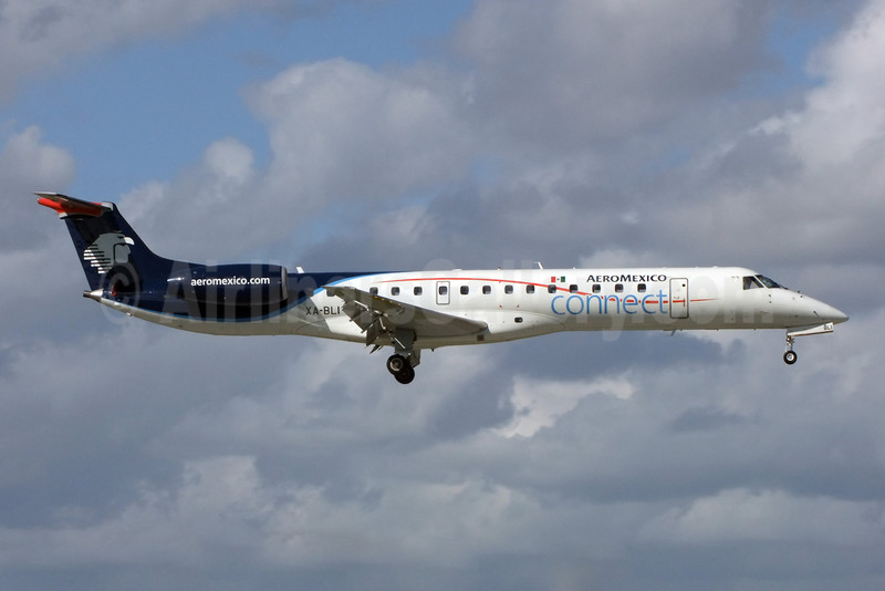AeroMexico Connect Embraer ERJ 145LR (EMB-145LR) XA-BLI (msn 145798) MIA (Jay Selman). Image: 402211.