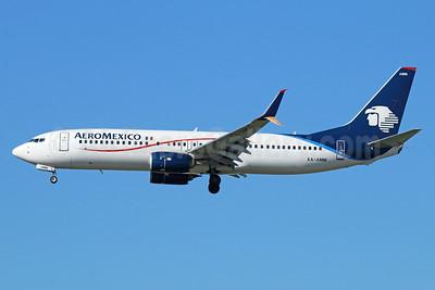 AeroMexico Boeing 737-852 SSWL XA-AMM (msn 39944) LAX (Michael B. Ing). Image: 934435.