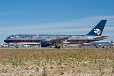 AeroMexico Boeing 757-29J N703AM (msn 27203) JFK (Fred Freketic). Image: 950167.
