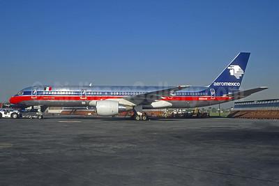 Aeromexico Boeing 757-28A N805AM (msn 26272) MEX (Christian Volpati). Image: 946581.