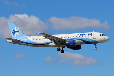 Interjet Airbus A320-214 XA-VTA (msn 1259) MIA (Bruce Drum). Image: 105228.