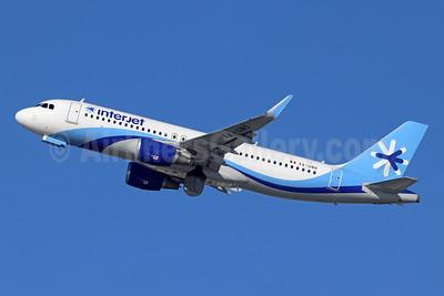 Interjet Airbus A320-214 WL XA-UNO (msn 7784) LAX (Michael B. Ing). Image: 948893.