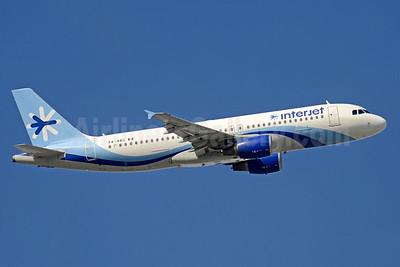Interjet Airbus A320-214 XA-ABC (msn 3690) MIA (Jay Selman). Image: 403550.
