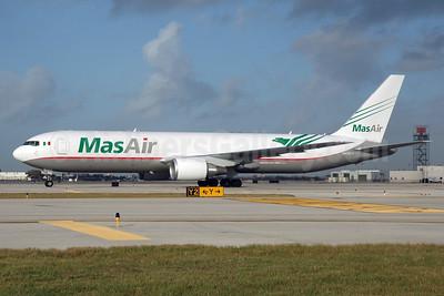 MasAir (Aerotransportes Mas de Carga S.A. de C.V.) Boeing 767-316F ER N420LA (msn 34627) MIA (Bruce Drum). Image: 103900.