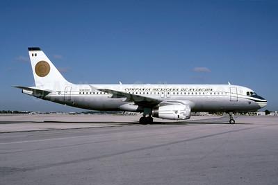 Mexicana's 2001 retro jet livery